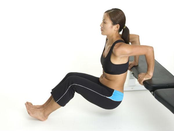 Front Lunges (Menekuk lutut ke depan)
