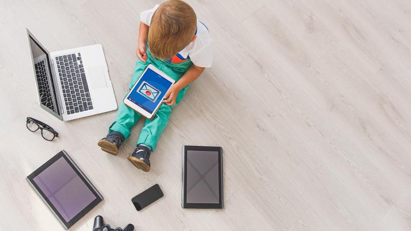 Risiko Kesehatan Si Anak Gadget